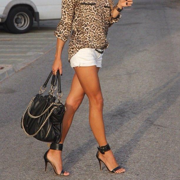 Black Single-Sole Heels