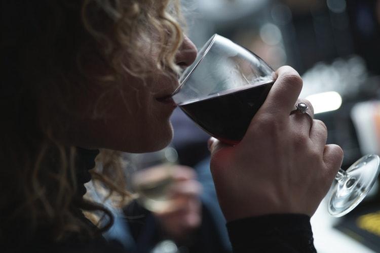 lady with wine glass