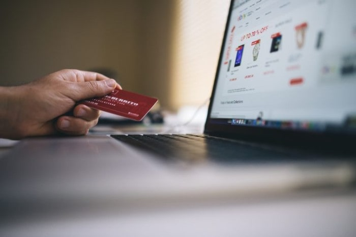6 Easy Tips for Saving Money Whilst Clothes Shopping