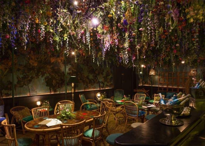 Floral impressions café interior décor