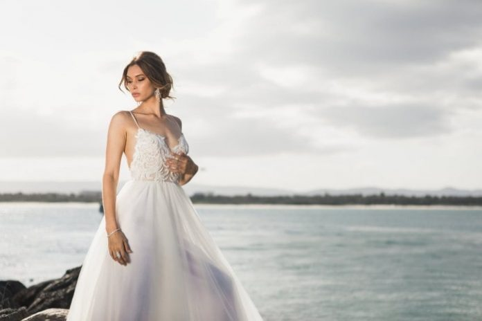 Seven Ideas for Country Style Wedding Dresses