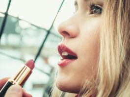 How to Choose Lipstick
