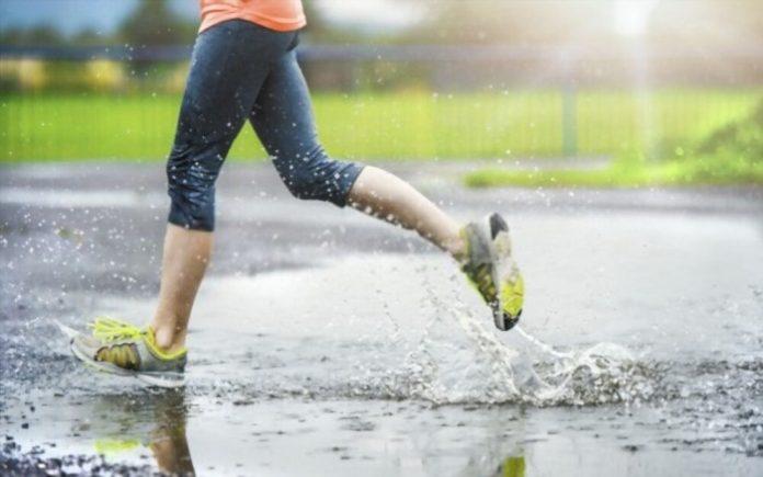 Best Footwear for Monsoon
