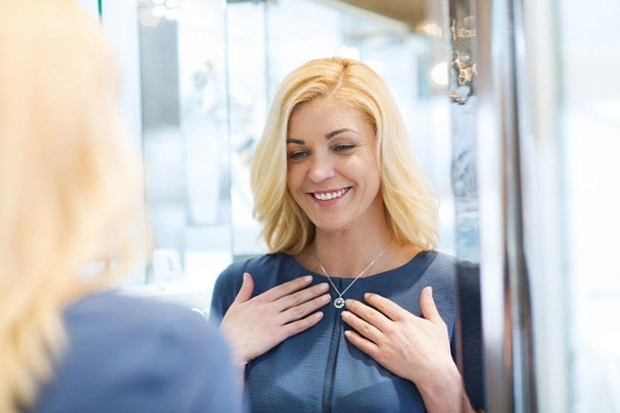 How to Style Your Solitaire Pendant